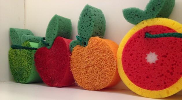ducha esponja frutas