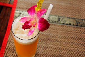 chá mate com casca de abacaxi