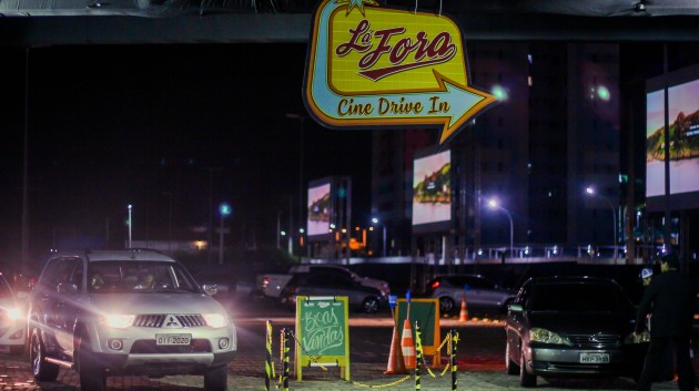 Lá Fora Cine Drive-in - Créditos Regys Lima)