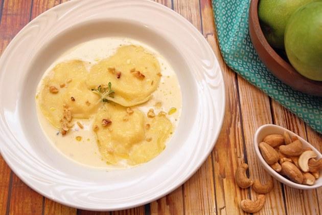 Ravióli de mozzarella de búfala com maçã e gorgonzola Finna