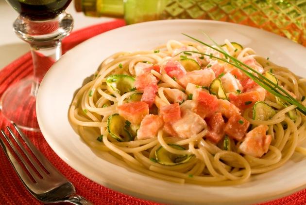 espaguete-com-peixe-e-abobrinha